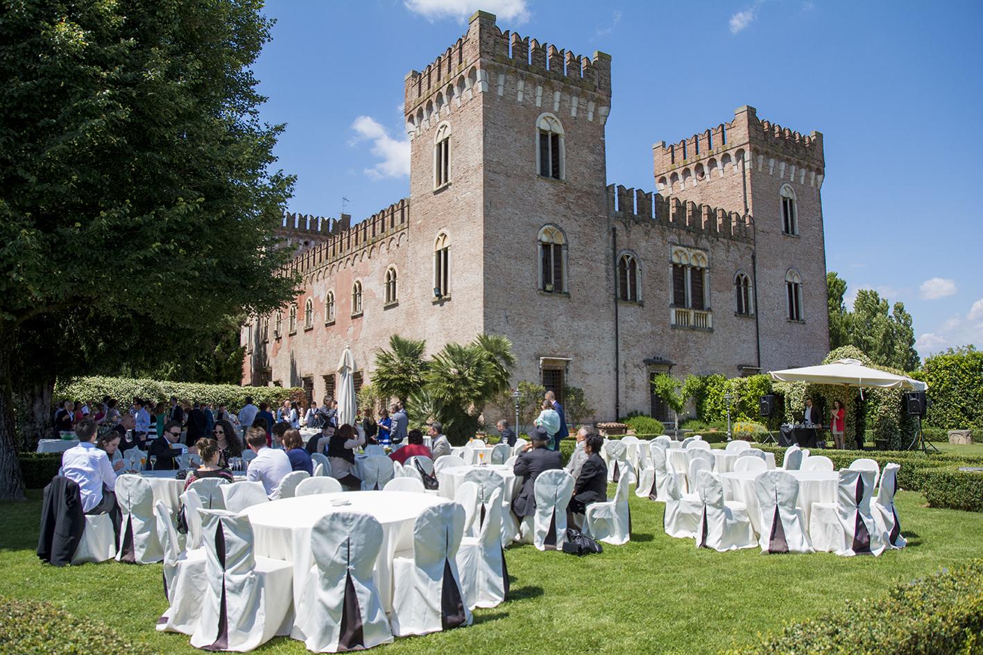 Matrimonio In Verona : Matrimonio al castello bevilacqua fotografo