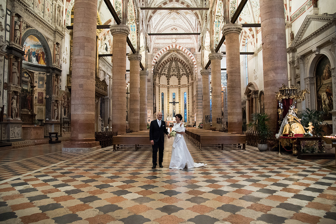 Matrimonio In Verona : Sposarsi a verona. chiesa di santa anastasia fotografo matrimonio