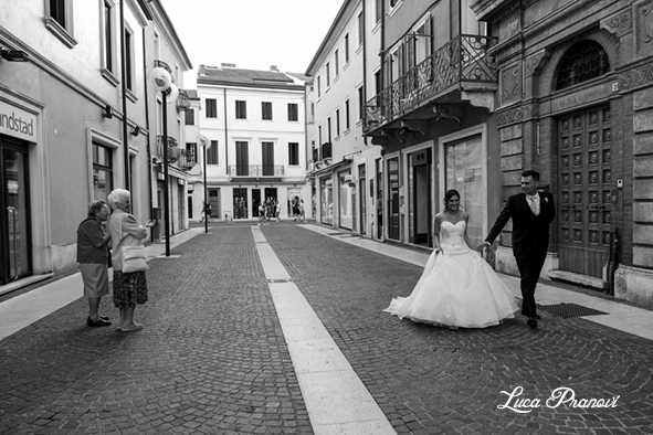 street wedding photography legnago