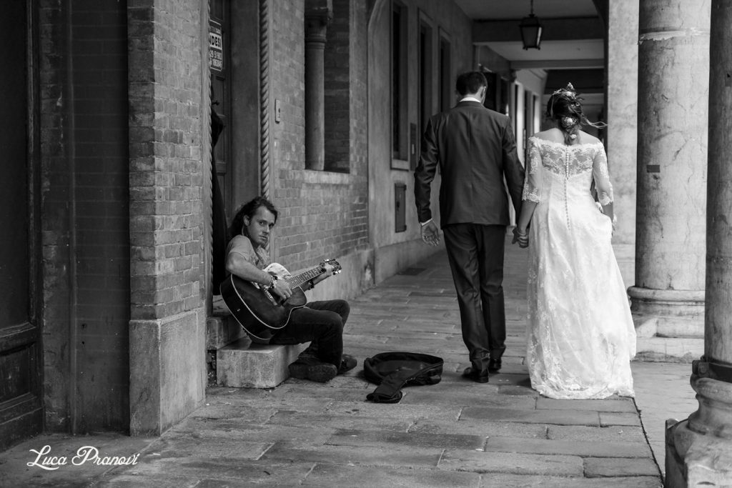 street wedding photography montagnana